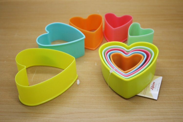 K6506 S/5 Heart Cookie Cutters